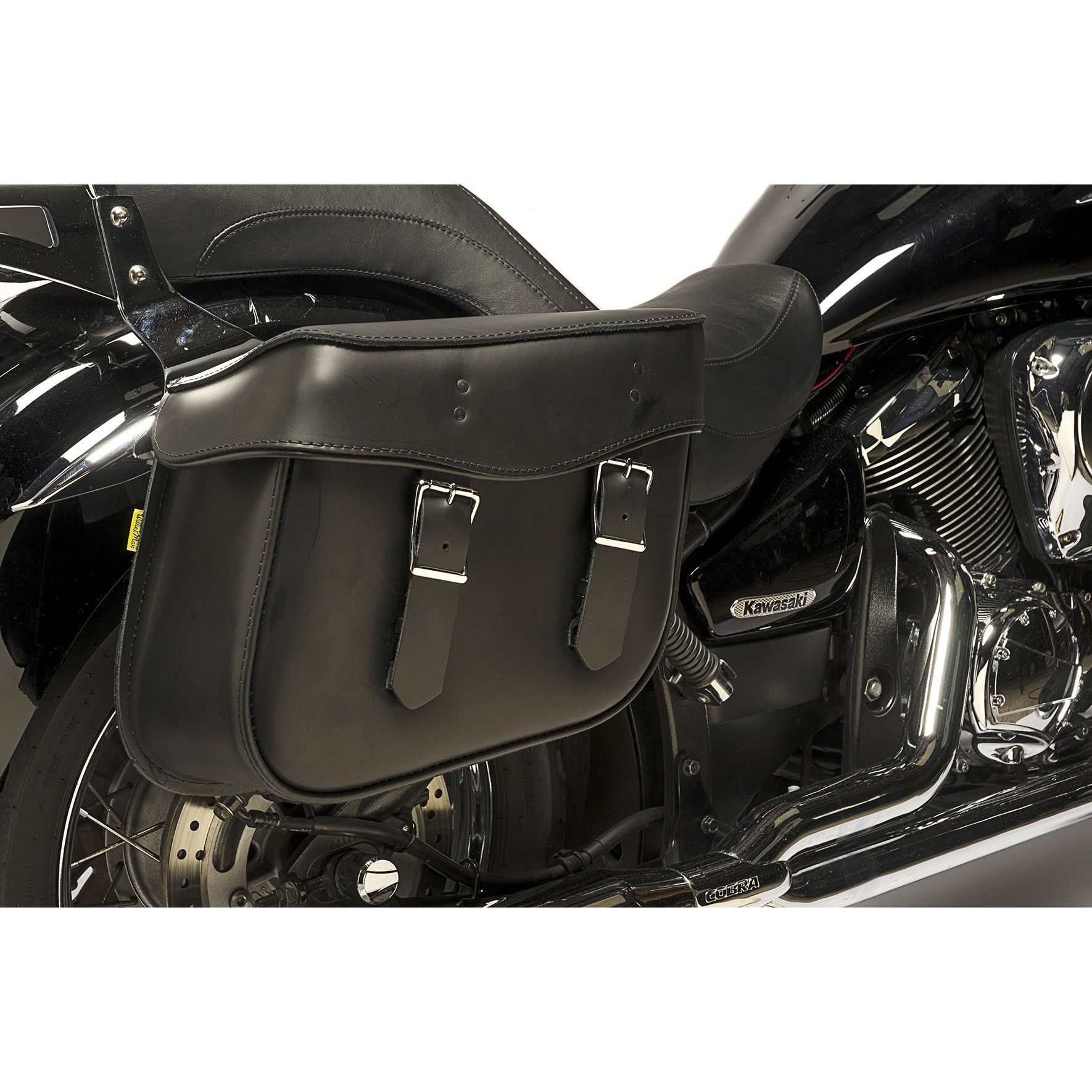 Willie and Max Montana Leather Saddlebags on a Kawasaki Vulcan 900